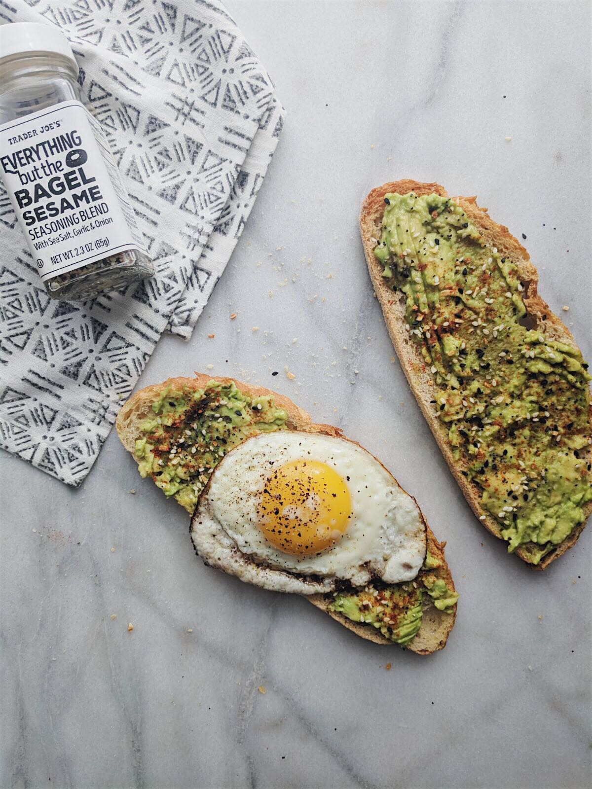 everything but the bagel avocado toast with the seasoning photo