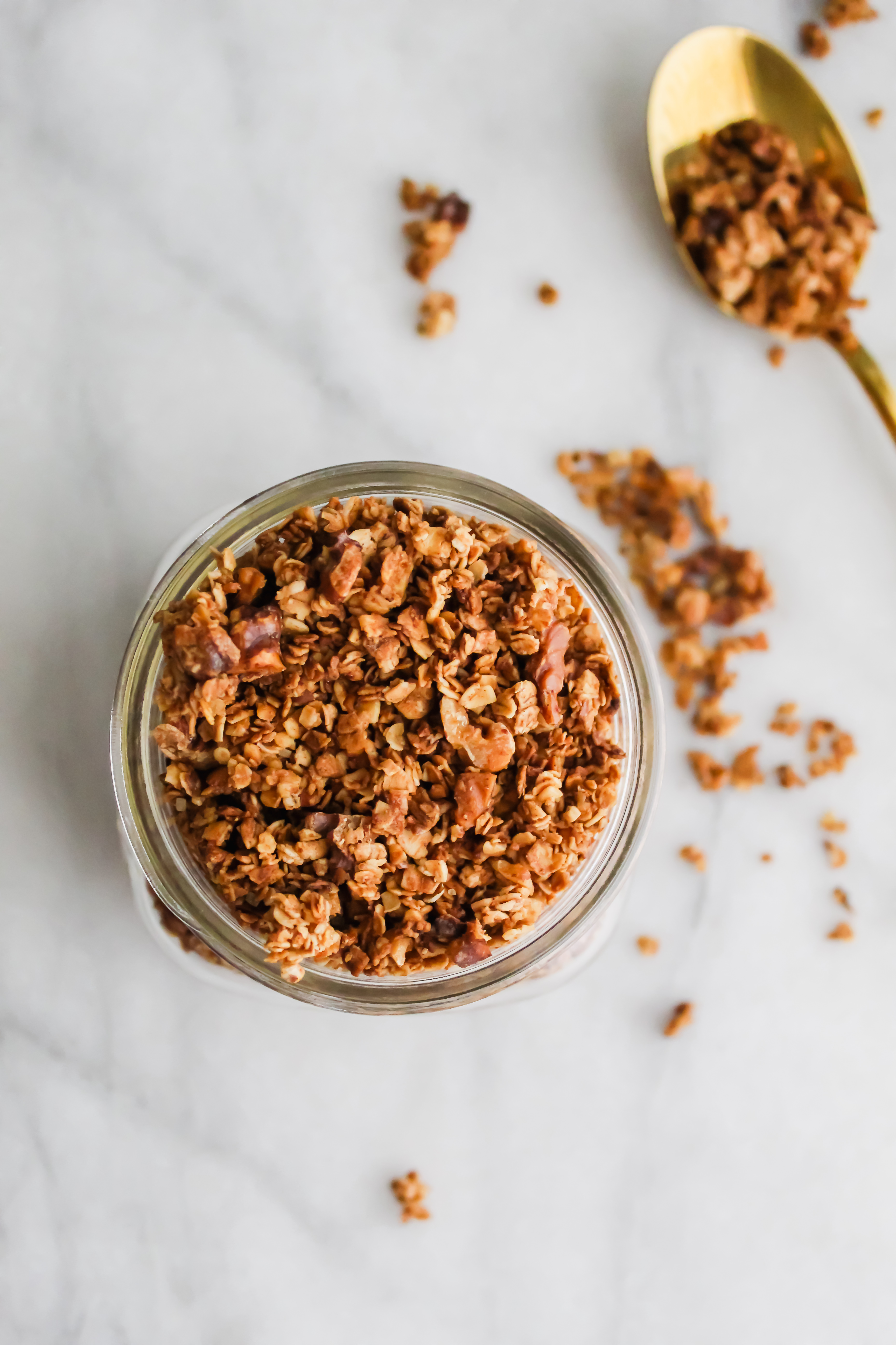 top of the mason jar with maple french toast granola